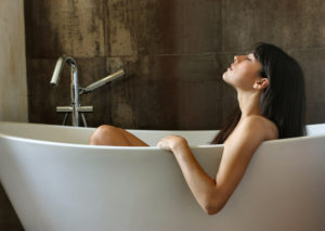Принятие лечебных ванн грипп