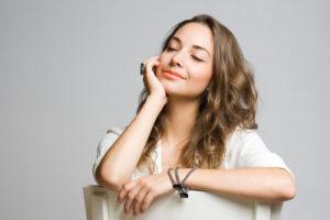 причиной появления симптомов синдрома раздраженного кишечника является стресс.
