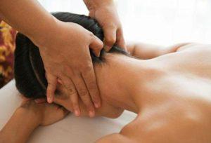 компрессы и массаж при головной боли