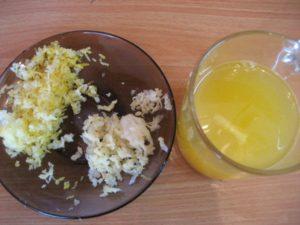Тертый чеснок с медом при лечении лишая