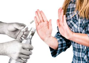 Стоит исключить курение и алкоголь для понижения давления