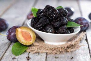 Чернослив содержит слабительные и сорбирующие компоненты